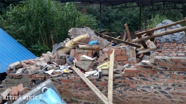 Local officials destroyed the Longwang Temple