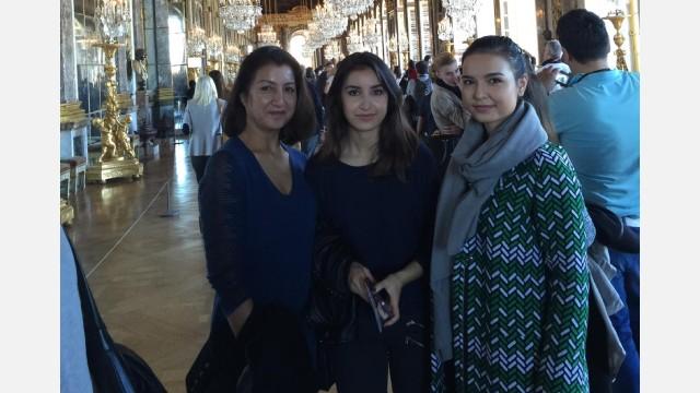 Gulhumar Haitiwaji with daughters