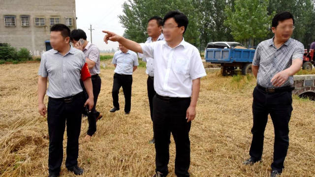 Government officials of a county in Henan are conducting an inspection.