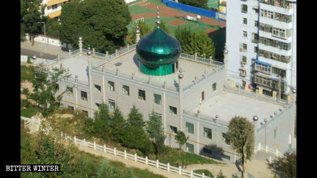 A view of the women's mosque on Motianyuan Road in Baoji city.