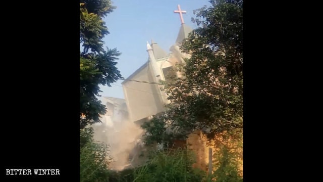 The second Three-Self church in Liangcuo village was forcibly demolished also on September 10.