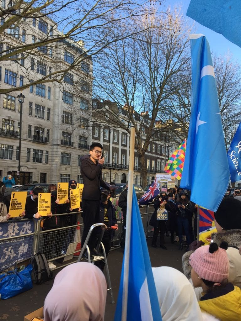 Simon Cheng addressing the crowd