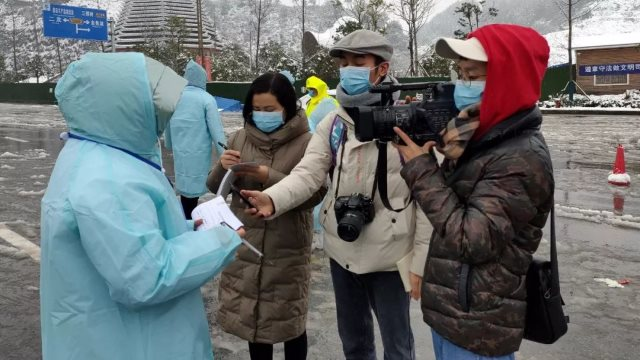 Journalists working during the epidemic