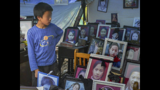 Children victims of the 2008 Sichuan earthquake. (Credit: Lin Yi reports for aboluowang.com).