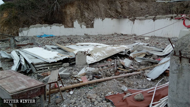 A folk religion venue in Luoyu village has become a heap of ruins.