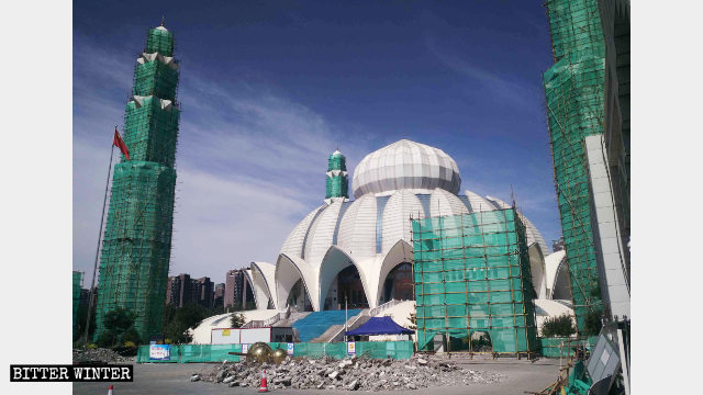 The Yuehai Great Mosque in Yinchuan is being rectified