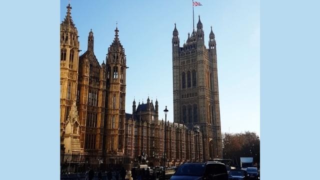 ロンドンの国会議事堂の貴族院